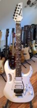 Beautiful 2010 Ibanez JEMJR-WH Steve Vai Jem Junior White, Includes Ibanez Gig Bag