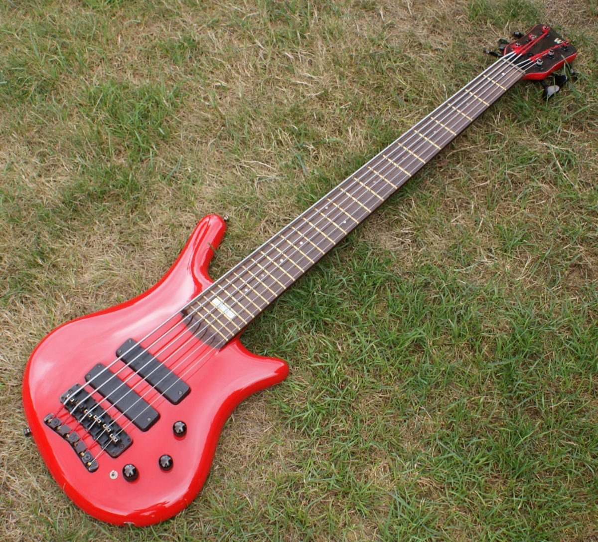 superb red 1991 warwick 6 string custom thumb bass sims fret lights ex mario cipollina huey. Black Bedroom Furniture Sets. Home Design Ideas
