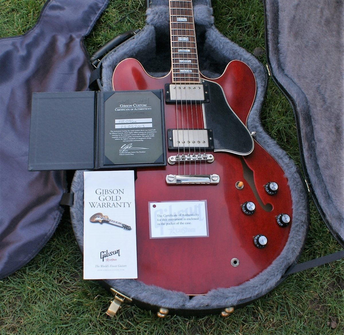 Beautiful 2010 Gibson Custom Shop 1960's VOS Limited Edition 50th  Anniversary ES-335 TD Antique Cherry & OHC