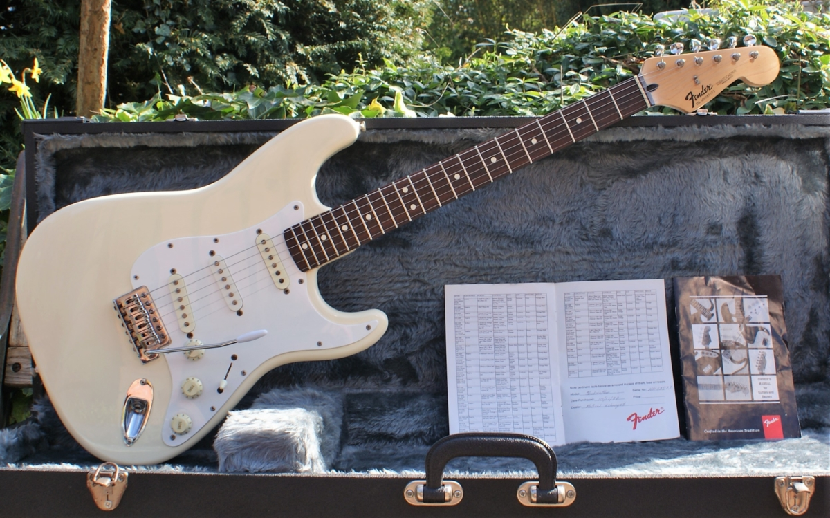 fc3d149d32d Pristine Condition 1995 Mexican 'Black Label' Fender Stratocaster in  Olympic White & Case. SOLD