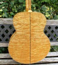 Beautiful 2001 Gibson J-200 Montana Gold -