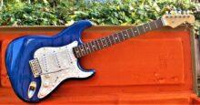 Stunning1993/4 Fender Japan STR65-SP Stratocaster in Blue Sparkle with Fender Tweed Case